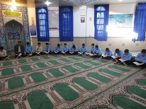 چه فرشی برای نمازخانه مدارس مناسب است؟